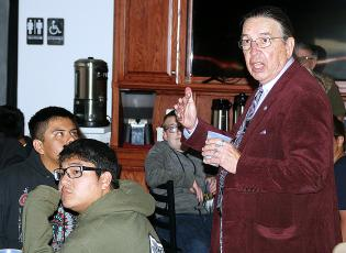 Harvey Pratt speaks to El Reno High School students