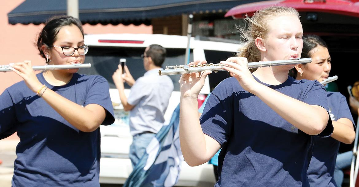 Flute players_slideshow
